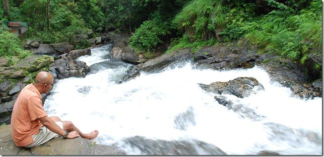 Sunil Shinde ar Irpu Falls