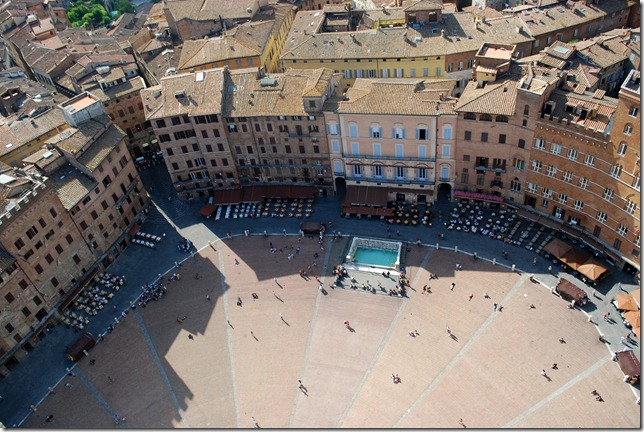 Piazza El Camp, where the famous horse race Palio happens