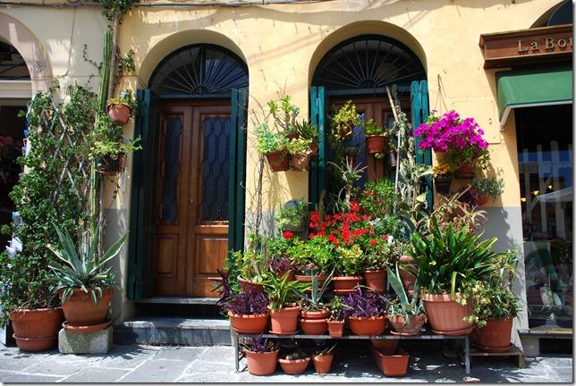 A Tuscan portal