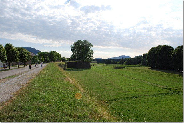 Lucca Ramparts