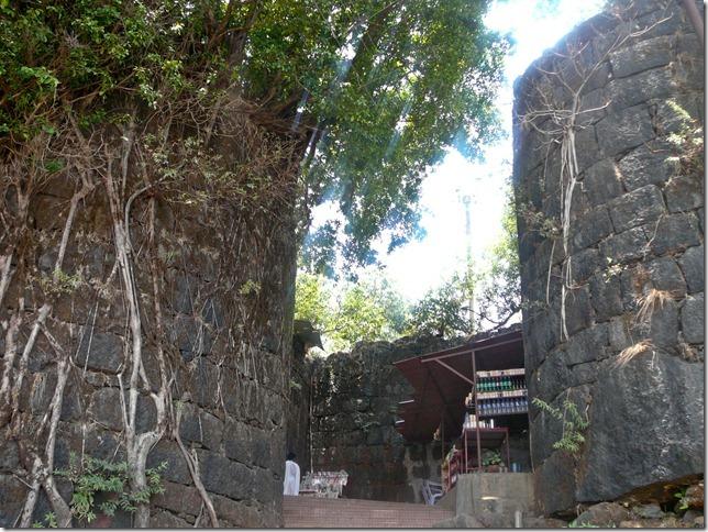 The concealed doorway to the ballekilla