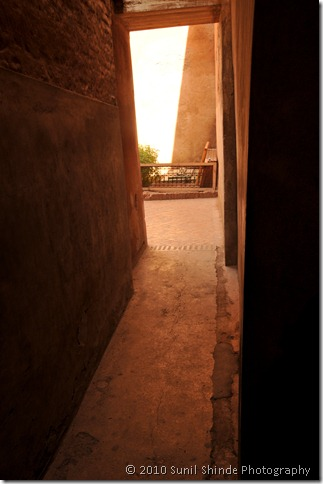 The narrow approach to the Saadian Tombs