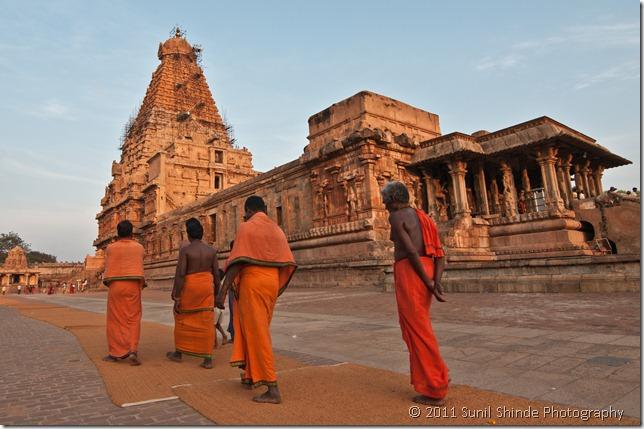 The holy men of Brihadeshwara temple