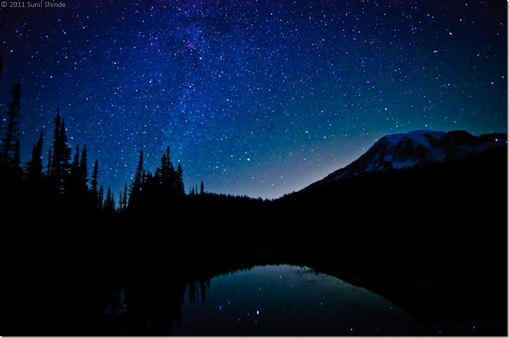 Milky Way over Mt. Rainier (72 dpi)