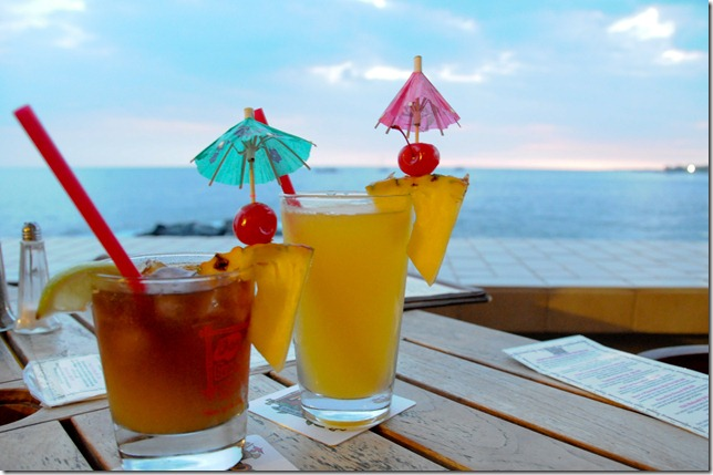 Mai-Tai's everywhere at Hawai'i