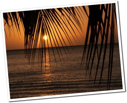 090 Carribean Sunset @ Luna Beach Resort, Roatan, Honduras